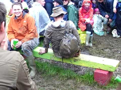 Drunk guy builds up a crowd at Glastonbury 2008
