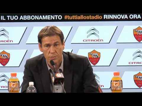 Roma, Rudi Garcia: 'Totti si sente 28 anni. Lotteremo su tutti i fronti'