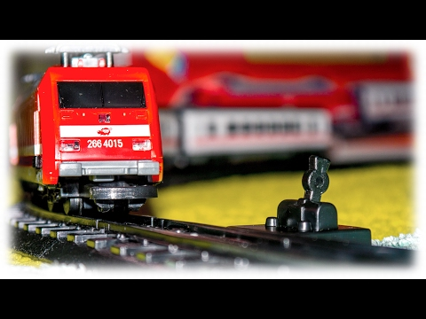 VIDEO FOR CHILDREN - Red City Train Toy Model Railway Passenger Trains...