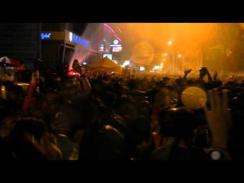 สงกรานต์สีลม 2557 เที่ยงวันยันเที่ยงคืน (Songkran Silom)