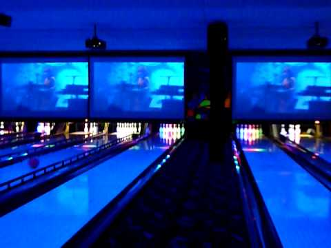 Ed S Rec Room S New Cosmic Bowling In West Edmonton Mall