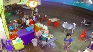หนุ่มใหญ่ยิงสนั่น หน้าร้านข้าวต้มดัง เมืองชล