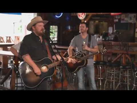 """""""Hangin' Out In Bars"""" - Randy Rogers & Wade Bowen LIVE"""
