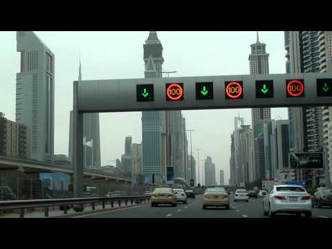 Driving through Dubai (1/2)