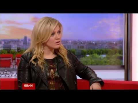 Kelly Clarkson - Interview - BBC Breakfast (UK) (December 4, 2012)