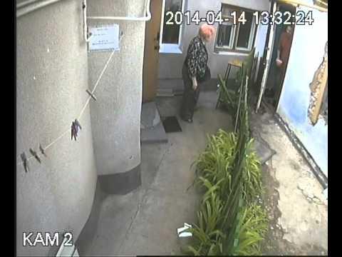 Лягина, 67. Спор между соседями. Камера видеонаблюдения.