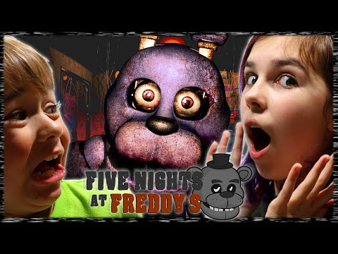 FIVE NIGHTS AT FREDDY'S | FNAF Halloween Night Fan Request | RadioJH Family