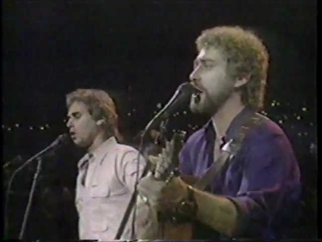 Earl Thomas Conley - Somewhere Between Right and Wrong (Live)