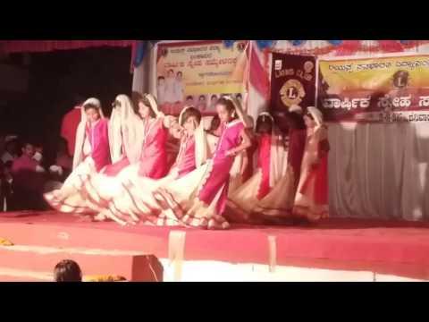 Bala bangara ninu haneya singara ninu school dance video (at- lions club school bankapur )