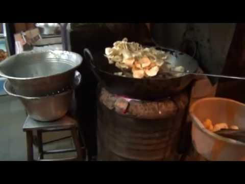 Indian Street Food: Potato Chips