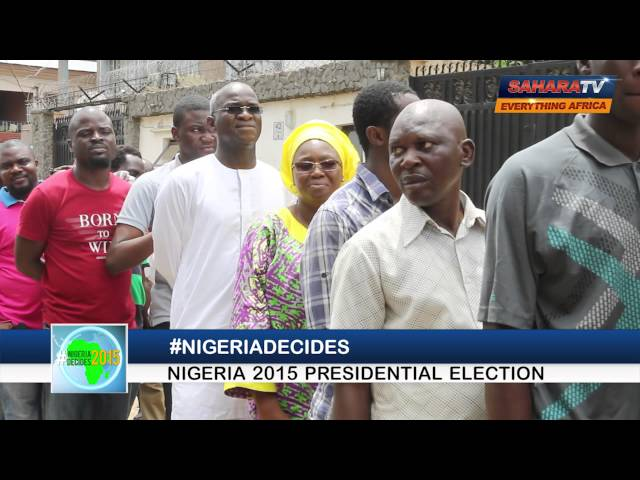 #NigeriaDecides: Lagos state governor Babatunde Fashola on queue to vote