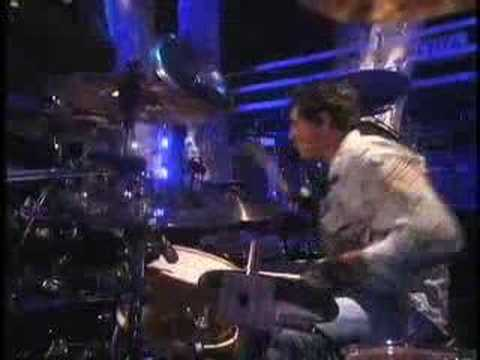 Arnel Pineda w/ Journey - Faithfully on Ellen Degeneres Show