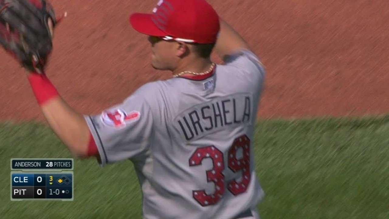 CLE@PIT: Urshela makes a backhanded stop, gets Mercer
