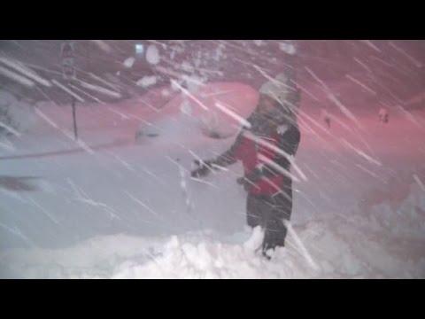 CNN reporter pummeled by snow storm