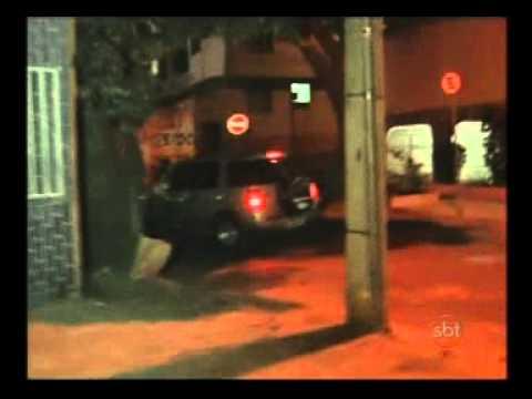 mulher flagra marido com amante no carro e o pau quebra