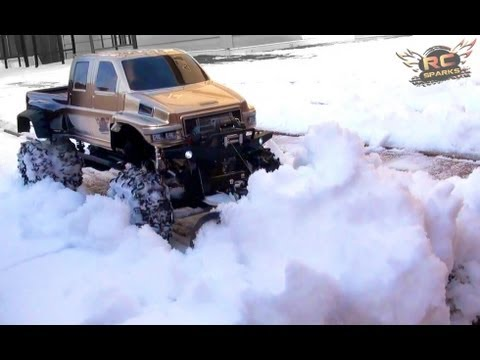 RC ADVENTURES - OVERKiLL PLOWS IN HEAVY SNOW - Custom 4x4 Truck