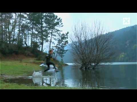 Walk on water (Liquid Mountaineering)
