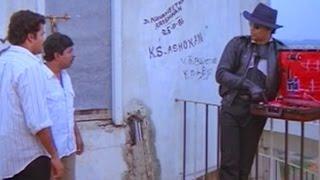 എടാ ദാസാ, ഏതാ ഈ അലവലാതി ..?    Mohanlal - Sreenivasan & Captain Raju Comedy Scene