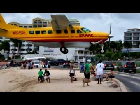 CRAZY DHL Pilot makes some LOW Landings at Princess juliana (HD1080p)