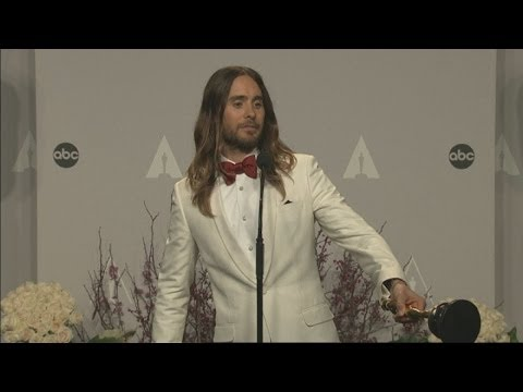 Oscars 2014 Winners Room: Jared Leto gives away Best Supporting Actor Oscar during hilarious speech