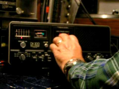 DX-300 Shortwave Radio  Works but needs repair
