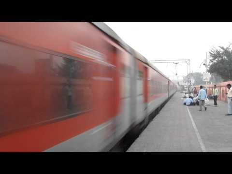 Wap 5 Ak Raj Rips New Faridabad video