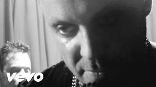 Watch Blue October The Chills video