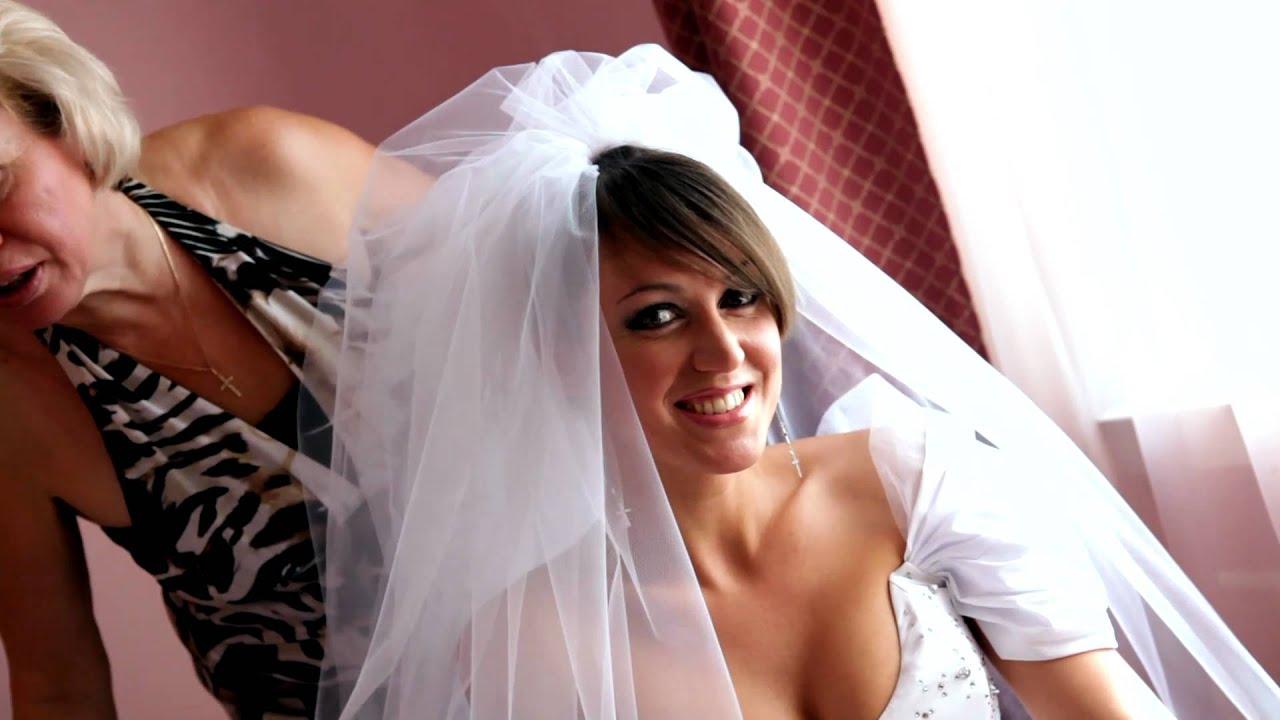 Видео невесты охотно дают такое