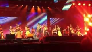 Kala Chashma - Full Video   Dream Team Tour   Katrina Kaif, Siddharth Malhotra   Baar Baar Dekho