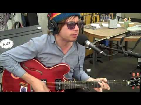 Dr. Dog - Jackie Wants a Black Eye live on KUT, Austin
