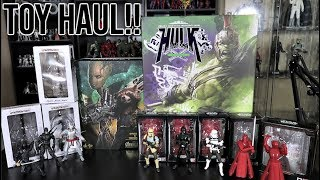 TOY HUNTING AT GAME RUNNERS - NEW HOT TOYS AND SH FIGUARTS PICKUPS! MARVEL LEGENDS AND FUNKO POPS!