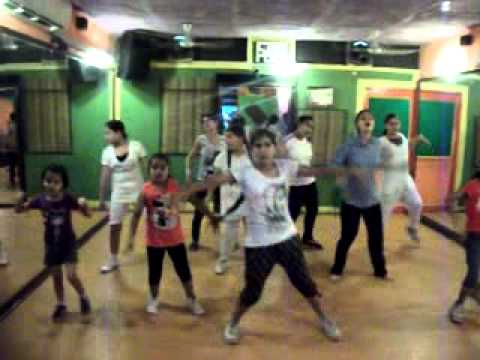 dum dum mast hai Band Baaja Baaraat dance performance by step2step...