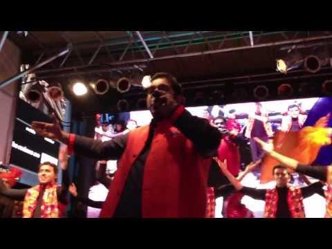 Shankar Mahadevan Suno Gaur Se Duniya Walo Live in New York...