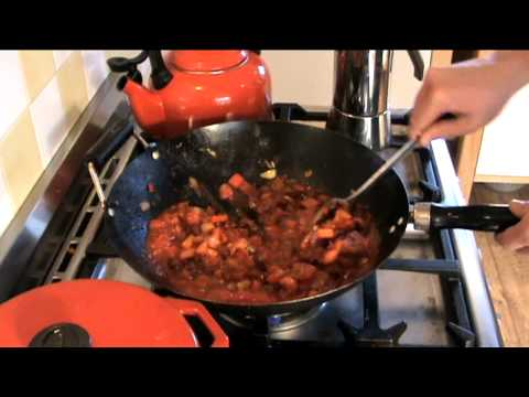 University Cooking: Cheap & Simple Chili Con Carne!