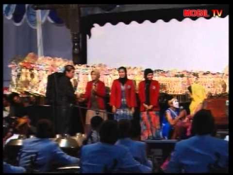 Pagelaran Wayang Kulit wahyu Nugroho Jati Ki Anom Suroto Di Universitas Muhammadiyah Ponorogo video