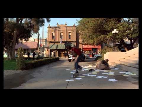 La escena de la patineta de Volver al Futuro con efectos de sonido a capela