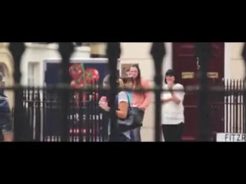 Hombre golpeado en publico por su mujer