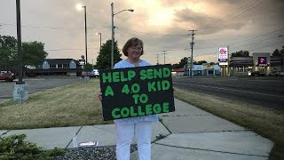 Mom panhandles for her daughter's education
