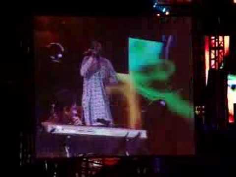 A R Rahman Sharjah Concert - Maduraikku Pogathadi video