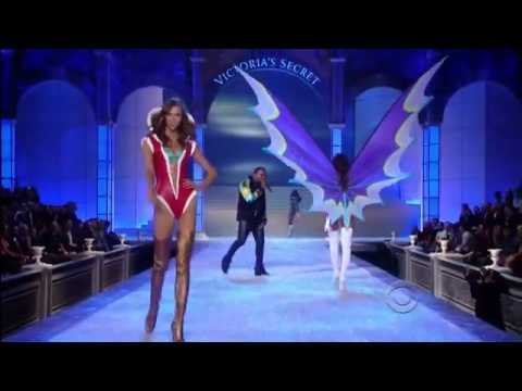 Kanye West performs `Stronger` at the Victoria's Secret Fashion Show 2011