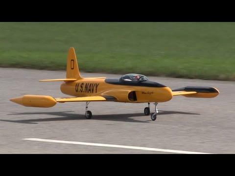 RC T-33 Shooting Star - Display Flight