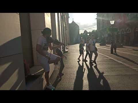 Zene és tánc Mateával (szabadkai utcazene)
