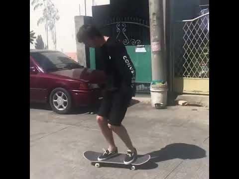 Look mum no hands🙈@ellisfrost 🎥: @ejfernandope   Shralpin Skateboarding