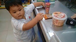 Đồ chơi trẻ em bé pin mua xúc xích xuxifarm ❤ PinPin TV ❤ Baby toys buying sausage