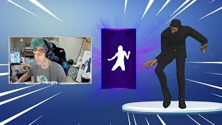 NINJA REACTS TO *NEW* HOTLINE BLING DANCE! FUNNY MOMENTS - FORTNITE WORLD