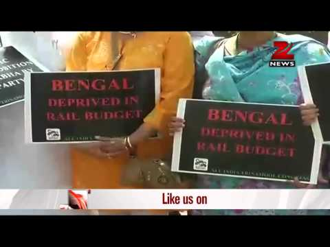 Rail fare hike: Trinamool Congress protests against BJP