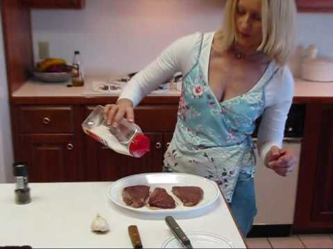 Betty's Pan-Seared Garlic Filet Mignon Beef Steak Recipe