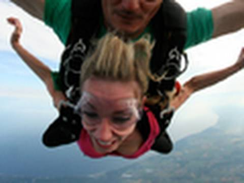PrankvsPrank Goes Skydiving Out a Plane