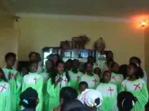 Amharic Protestant Mezmur 2014 Part 1 (ashaday Worship And Praying Team) video