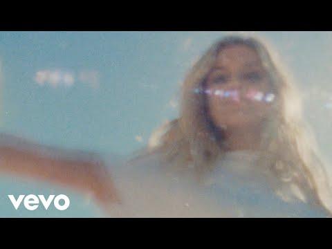 Kelsea Ballerini - la (Official Music Video)